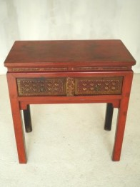 CONSOLE CHINOISE ANCIENNE LAQUEE ROUGE