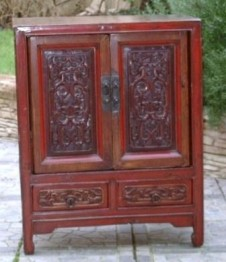 MOBILIER CHINOIS ANCIEN - CABINET LAQUE ROUGE